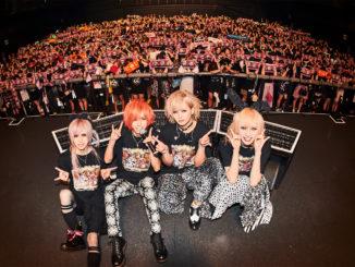 心の叫びを交わすことで手にした未来へ飛び立つ2つの熱狂の翼。Royz、ツアーのファイナル公演をEX THEATER ROPPONGIで開催。次は、シングル『SINFONIA』(シンフォニア)を手にZEPP TOKYOへ!