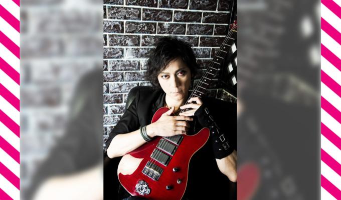 佐倉仁、ギターとベースの両方を担う夢の楽器サクラキャスターを手に、全米最大の楽器フェア「NAMM SHOW」へ出陣。現地では、天才少女ドラマーよよかともセッション!!その模様をレポート。